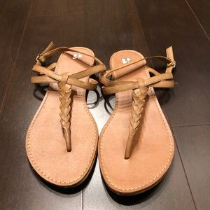 GUC Nordstrom BP T Strap Woven Sandals 9.5